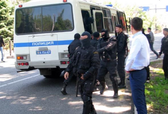 kazakstan-almaty_protest_may_2016_4-andrei_grishin