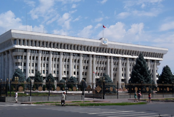 kyrgyzstan-parliament_building_in_bishkek-alex_j_butler-flickr