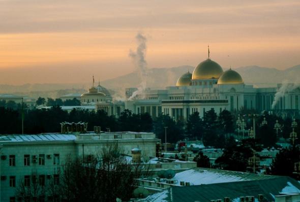 turkmenistan-essay_june_2016_1-helen_stevenson
