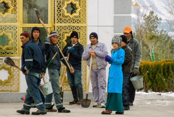 turkmenistan-essay_june_2016_12-helen_stevenson