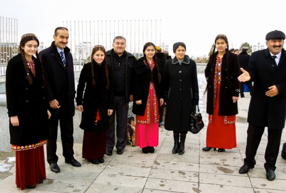 turkmenistan-essay_june_2016_17-helen_stevenson
