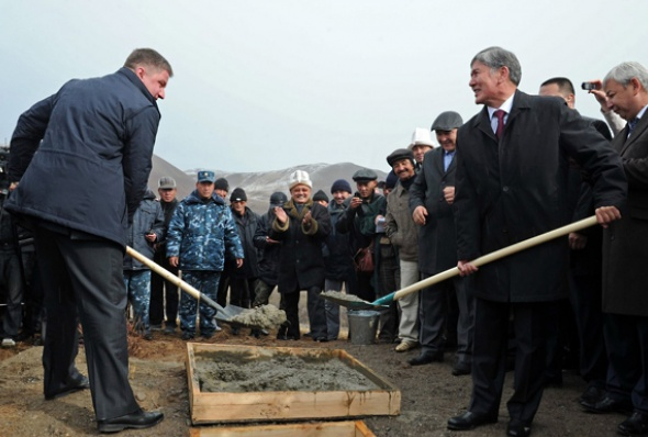 kyrgyzstan-atambaev_and_dod-kyrgyz_press_service