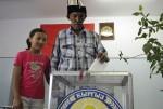 kyrgyzstan-voters-igor_kovalenko-iwpr
