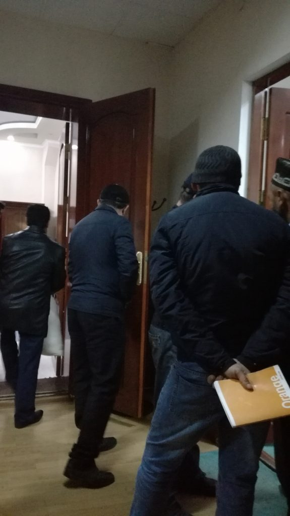 "Queue of ""Komil 2010"" company clients at the door of the head of Communication Service of Tajikistan"
