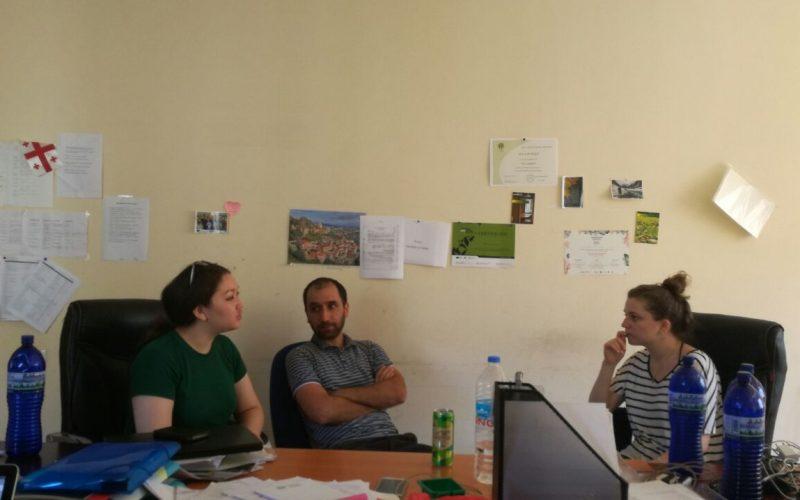 Хадиша Акаева и Екуб Халимов во время стажировки в Studio monitor