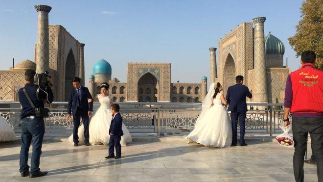 По мнению Эльера Каримова, в Узбекистане начались положительные изменения гендерных отношений. Фото: bbc.com