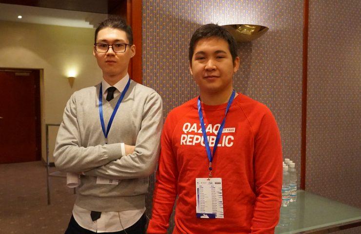Волонтеры экспертного форума