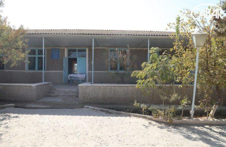 третий здание